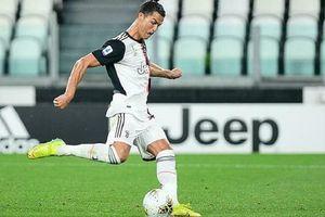Rực sáng giúp Juventus thắng lớn, Ronaldo lập kỳ tích tuổi 36