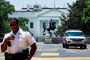 Mỹ mạnh tay trừng phạt hành vi phá hủy tượng đài