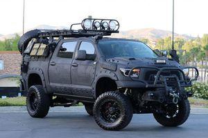 Ngắm chiếc xe Toyota Tundra 4x4 độ ngầu nhất trên đời