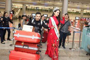 Gợi cảm, cuốn hút những tà áo dài 'bay' cùng mỹ nhân Việt