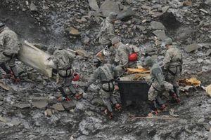 Phát hiện thêm xương của nạn nhân vụ máy bay rơi năm 1952 ở Alaska