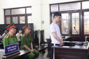 Lĩnh án gần 12 năm tù vì tàng trữ trái phép ma túy