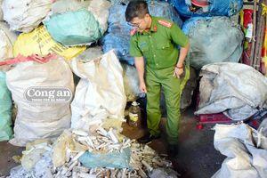 Tuồn rác thải y tế ra vựa phế liệu