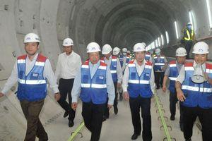 Phó Thủ tướng Phạm Bình Minh thị sát tiến độ thi công tuyến metro Bến Thành - Suối Tiên