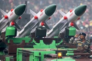 Akash: Sức mạnh tên lửa nội địa Ấn Độ 'vít cổ' máy bay Trung Quốc