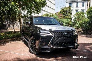Cận cảnh Lexus LX 570 Super Sport Black Edition hơn 9 tỷ đồng