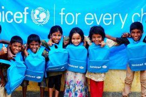 Bất chấp thách thức từ Covid-19, UNICEF chuyển giao hàng cứu trợ thiết yếu đến hơn 100 quốc gia