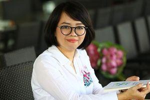 'Khoác áo mới' cho tập thơ 'Biển là trẻ con' của nhà báo Huỳnh Mai Liên