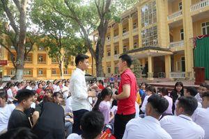 Hướng nghiệp cho hàng ngàn học sinh miền núi