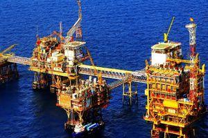 Sản lượng dầu thô khai thác giảm mạnh khiến tăng trưởng ngành khai khoáng 'hụt hơi'