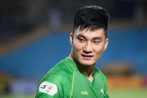 Thủ môn Văn Hoàng có trận thứ 2 liên tiếp nhận 3 bàn thua
