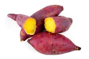 Lấy củ khoai lang trộn với thứ này có ngay cách dưỡng trắng da mặt lên tone nhanh chóng