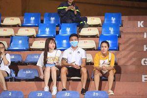 Tin bóng đá Việt Nam hôm nay (1/7/2020): Ông Park 'đau đầu' vì Văn Toản