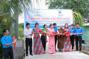 Hoạt động từ thiện tại Long An, Nghệ An