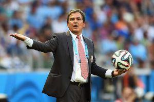 HLV từng vào tứ kết World Cup dẫn dắt UAE đối đầu Việt Nam