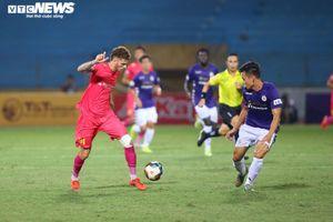Trực tiếp Hà Nội FC 0-1 Sài Gòn FC: Văn Quyết sút hỏng 11m