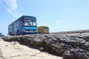 Thay đổi lộ trình 16 tuyến buýt trong thời gian sửa chữa cầu Thăng Long