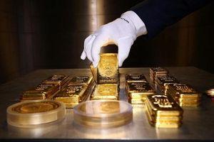 Giá vàng bật tăng mạnh trong ngày đầu tháng