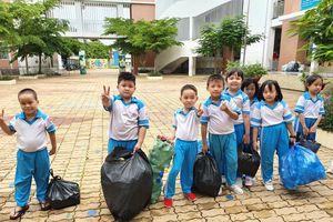 Học sinh quận Ninh Kiều - Cần Thơ tham gia chương trình bảo vệ môi trường