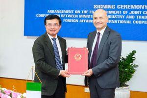 Việt Nam – Italia thành lập Ủy ban Hỗn hợp về hợp tác kinh tế