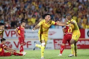 Đội hình tiêu biểu vòng 7 V.League: Bộ 3 cầu thủ Nam Định góp mặt