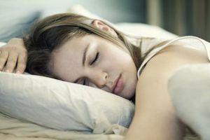 Ngủ nhiều vào ban ngày, ngủ bất kì lúc nào dấu hiệu của tim, tuyến giáp gặp nguy
