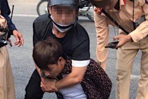 Nghệ An: Bắt đối tượng vận chuyển 2.000 viên ma túy