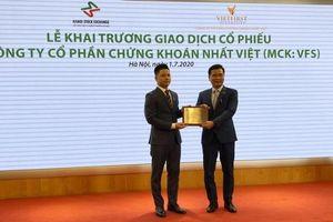 Chứng khoán Nhất Việt chào sàn UPCoM