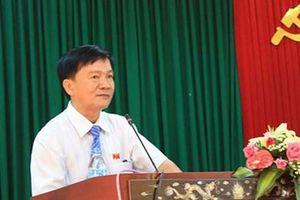 Chủ tịch UBND tỉnh Quảng Ngãi được nghỉ hưu trước 3 tháng