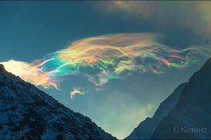 Sự thật về đám mây 7 màu được dân mạng xem là điềm báo