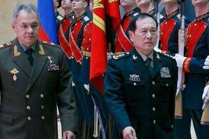 Quan hệ quân sự Nga Trung: Có qua có lại, có xuống có lên