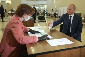 Cử tri Nga bỏ phiếu ủng hộ sửa đổi Hiến pháp