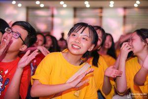 Những cảm xúc đặc biệt tại lễ trưởng thành của học sinh trường Phan