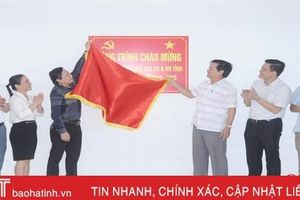 Gắn biển công trình chào mừng Đại hội Đảng bộ Khối CCQ&DN Hà Tĩnh