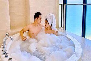 Khoe khoảnh khắc tắm bồn cùng nhau, vợ chồng Đăng Khôi - Thủy Anh gây sốt
