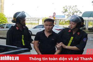 Cảnh sát cơ động bắt đối tượng tàng trữ trái phép chất ma túy