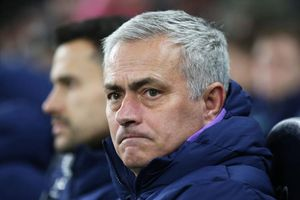 Mourinho phàn nàn về VAR nhưng sợ bị cấm chỉ đạo