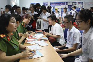Cấp mới CMND cho học sinh khối THCS