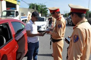 Xử phạt vi phạm giao thông trực tuyến: Chặn tiêu cực ra sao?