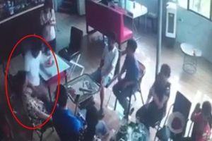 Nguyên nhân người đàn ông đâm chết bạn trong quán cà phê