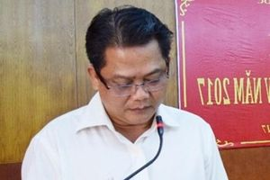 Phó Bí thư huyện dùng bằng giả, ký 'khống' giấy tờ cấp sổ đỏ