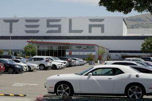 Tesla có giá trị vượt Toyota, Disney và Coca Cola
