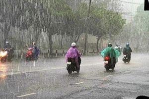 Tin tức thời tiết ngày 4/7/2020: Hà Nội mưa dông, vùng núi Bắc Bộ đề phòng lũ quét, sạt nở