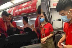3 hành khách bị cấm bay 1 năm vì gây rối, ném điện thoại vào tiếp viên