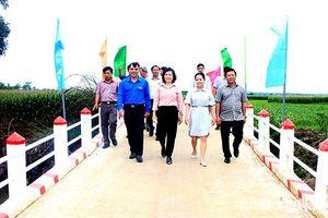 Đoàn Thanh niên chủ động tham gia xây dựng nông thôn mới