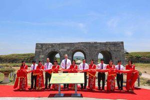 Hoa Kỳ tài trợ trên 92.000 USD tu sửa thành nhà Hồ, Thanh Hóa