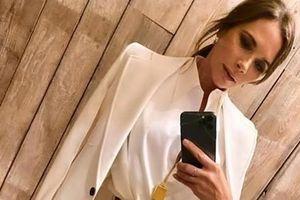 Victoria Beckham nhờ fan tư vấn trang phục để hẹn hò với chồng