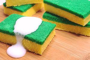 Đánh lừa thị giác với bánh ngọt hình mút rửa bát