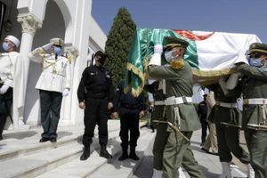 Pháp trao trả 24 hộp sọ của lính Algeria thời thuộc địa