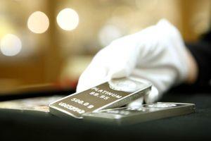 Giá vàng khuấy đảo thị trường kim loại quý thế giới